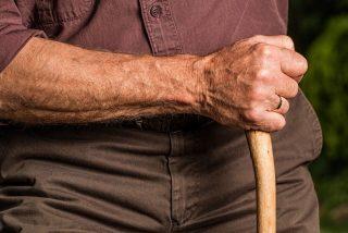 Un abuelo mata a balazos al padre de su nieta