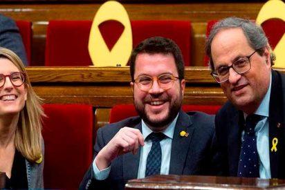 El xenófobo Torra se pasa a la Junta Electoral por el arco de triunfo y mantiene los lazos amarillos