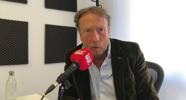 Javier García Isac no lamenta la muerte de Arzalluz mientras el CIS ya está celebrando el carnaval