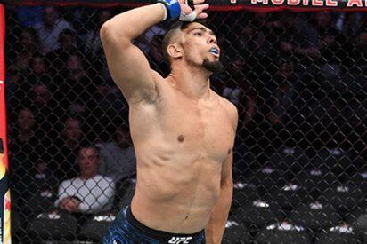 El insólito momento en que este luchador se lesiona tras su victoria