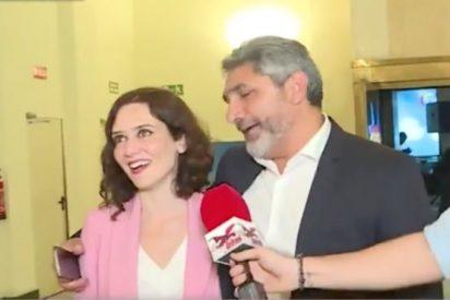 Díaz Ayuso corta en seco a Juan José Cortés tras intentar ligar con ella