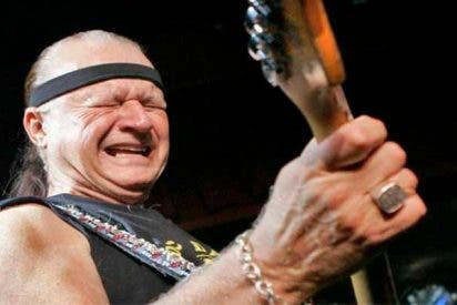 Muere a los 81 años el guitarrista Dick Dale, rey de la música surf