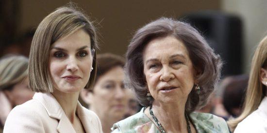 """La amarga queja de la Reina Sofía contra doña Letizia: """"No cuentan conmigo"""""""