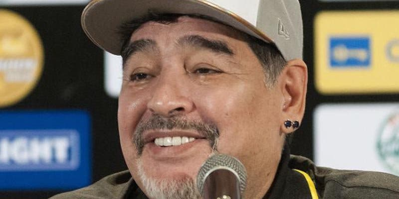 """Maradona admite tener tres hijos en Cuba a los que reconocerá formalmente """"pronto"""""""