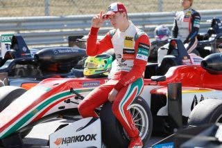 "Ferrari con la lupa sobre Mick Schumacher para ver si ""algún día puede pilotar un coche rojo"""