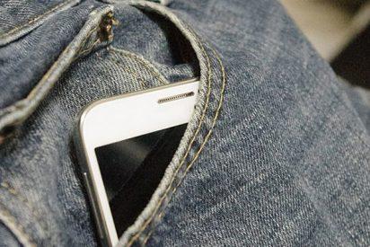Le explota el teléfono móvil en el bolsillo del pantalón y pasa esto…