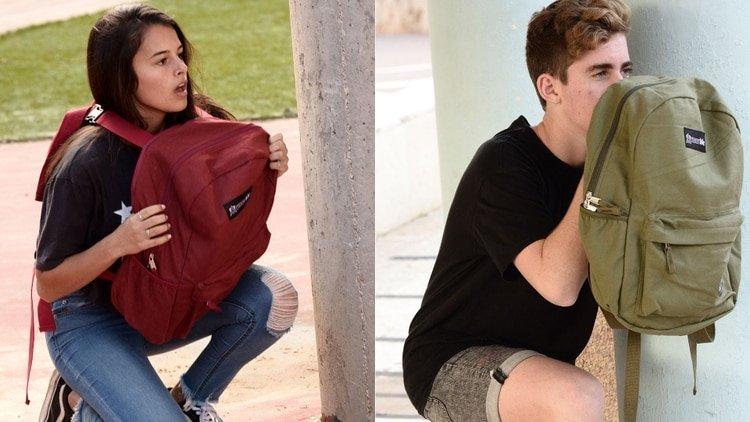 El negocio online a partir de las masacres en escuelas: Una mochila con escudo antibalas