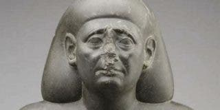 ¿Sabes por qué muchas estatuas egipcias tienen la nariz rota?