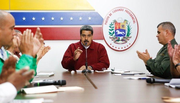 """Nicolás Maduro amenaza a los venezolanos """"prepararse para lo peor"""""""