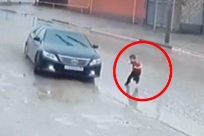 Un niño se salva de ser atropellado tras el volantazo de un conductor en el último segundo