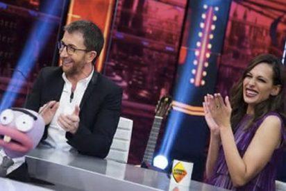 """Pablo Motos pone a Eva González en un compromiso sobre 'La Voz': """"Mejor lo dejamos..."""""""
