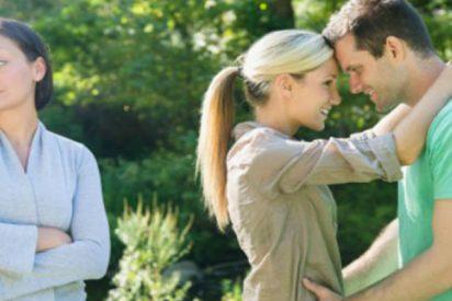 Las 7 señales que te indican si tu relación te hace perder amigos