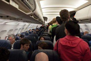 Un sobrecargo cuenta los secretos más asquerosos de los aviones turísticos