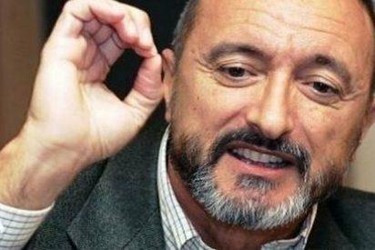 La lección de historia y 'genética' de Pérez-Reverte a un tuitero bocazas y peruano que llamó genocida a España