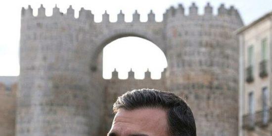 """La señora de Ávila que le cierra la muralla a Sánchez: """"¡Vaya cara, aquí no te queremos, vete de España!"""""""