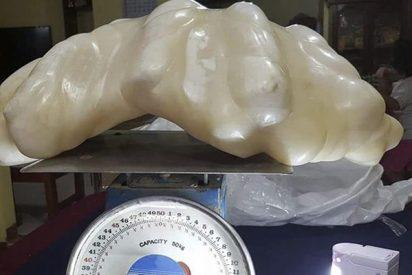 Un filipino descubre que esta piedra que tenía en casa es la perla más grande del mundo