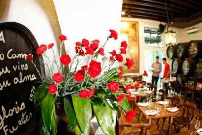 "Dónde comer en Málaga: Bodega Bar ""El Pimpi"""