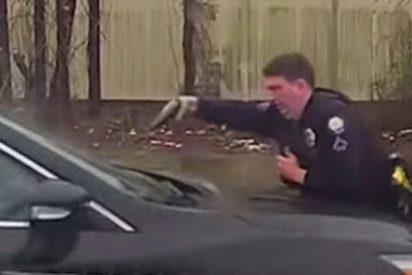 Este policía dispara 15 veces a un hombre que se negó a bajar de vehículo robado
