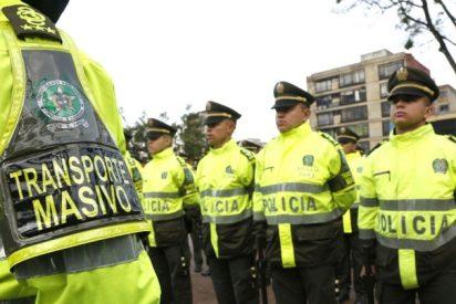 El policía corrupto: Vende el mismo automóvil a ocho compañeros
