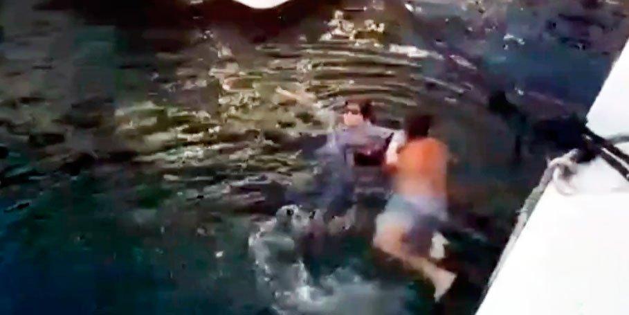 Un preso en libertad bajo fianza salva a una mujer de morir ahogada en Puerto Banús