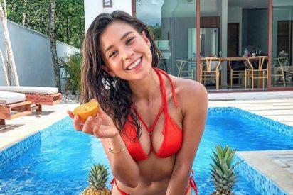 Pillan a la reconocida youtuber vegana Rawvana comiendo pescado