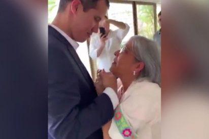 Vídeo: El emotivo reencuentro de Juan Guaidó con su madre en Caracas