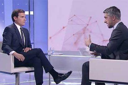 La 'veleta' naranja ya no sabe hacia dónde girar: Rivera niega el carácter constitucionalista al PSOE de Sánchez...y duda del de VOX