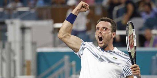 Un colosal Roberto Bautista se 'carga' a Novack Djokovic en Miami