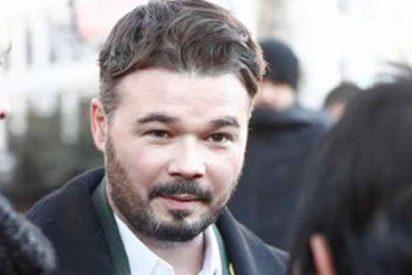Gabriel Rufián monta el pollo en Twitter burlándose de la secretaria judicial obligada a huir por una azotea