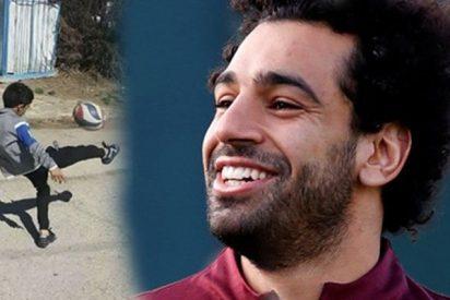 Los impresionantes trucos con el balón de este iraní de 7 años imitando a su ídolo Salah