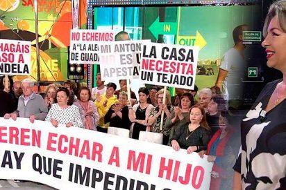 """El bochornoso espectáculo de 'Sálvame' con manifestación incluida: """"¡Qué vergüenza!"""""""