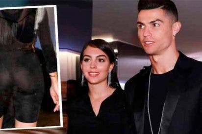Georgina Rodríguez se luce con el 'tanga al aire' a espaldas de un sonriente Cristiano Ronaldo