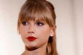 Así de feas tiene las piernas Taylor Swift, si se las miras por detrás