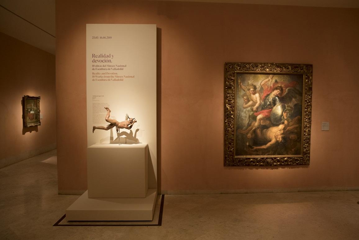 Llega al Museo Thyssen una embajada escultural