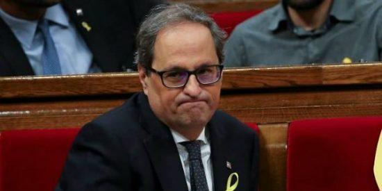 El independentista Quim Torra tiene 48 horas para desechar los lazos amarillos y esteladas de edificios públicos catalanes