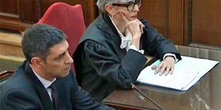 El mayor Trapero dice con toda la caradura que estaba dispuesto a detener a Puigdemont y al 'Govern' tras la DUI