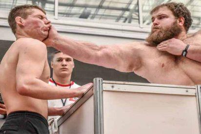 Vasili Kamotski, granjero de Siberia, campeón mundial de bofetadas