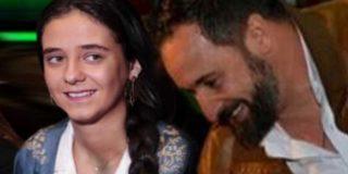 Victoria Federica muestra sin tapujos su simpatía por Santiago Abascal en la fiesta españolista de Vox