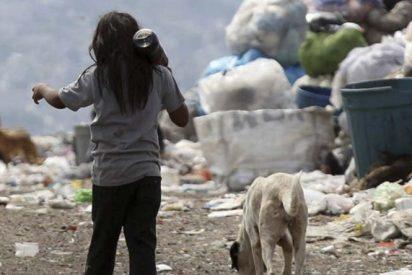"""""""Mamá, tengo hambre"""": La pobreza golpea en el corazón de Argentina"""