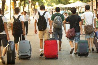 Coronavirus: La activación de bonos de viaje para canjear salvaría la industria turística de España