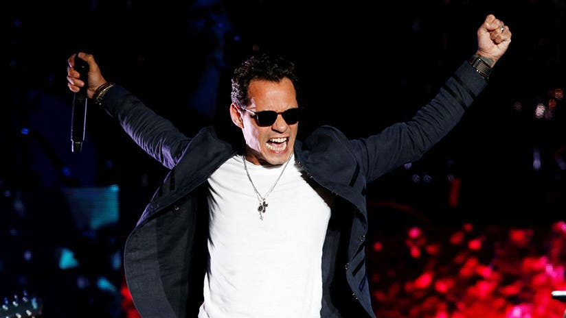 Marc Anthony ve arder su lujoso yate valorado en 7 millones de dólares