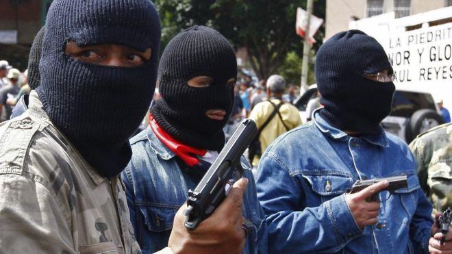 Los tiros de los colectivos chavistas para recibir la ayuda humanitaria en Venezuela