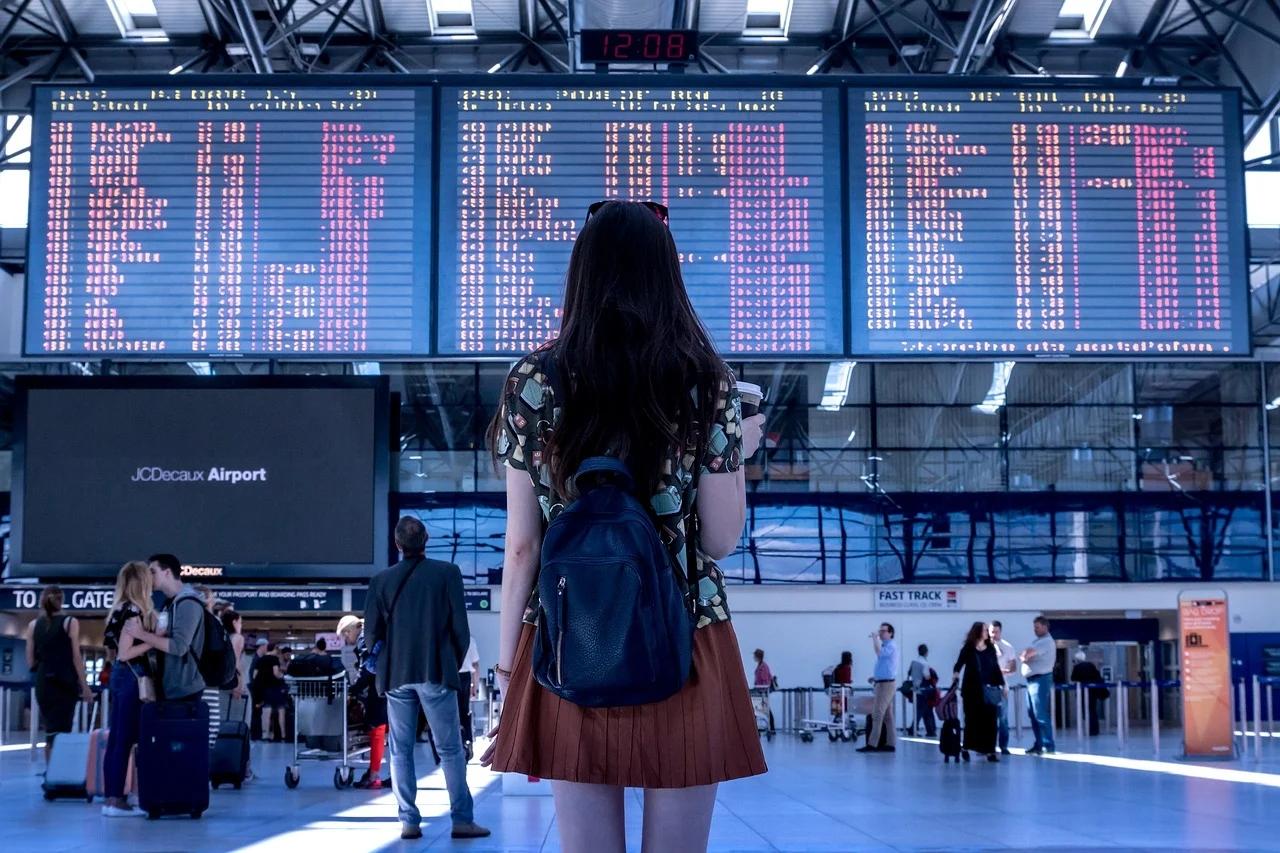 Los precios del transporte aéreo de pasajeros registran su mayor caída en 14 años