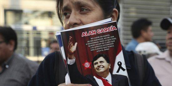 El Ministerio de Salud de Perú condena la filtración de algunas fotos del ex presidente Alan García tras dispararse