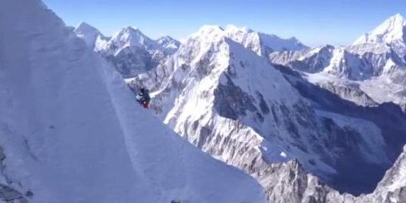Dan por muertos a tres de los mejores alpinistas del mundo tras una avalancha en Canadá