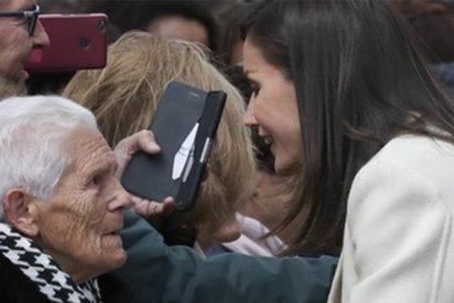 Esta anciana deja sin palabras a la Reina Letizia con este sincero comentario