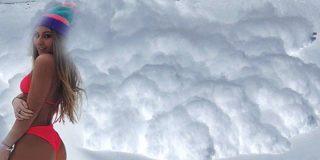 Esta impresionante avalancha 'se traga' en Estados Unidos hasta la cámara que la graba
