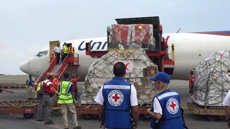 Maduro obligado a ceder: Llegó el primer cargamento de ayuda humanitaria de la Cruz Roja