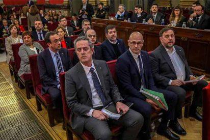 Los 'golpistas' de JxCat, sentados en el banquillo del Tribunal Supremo, ofrecen su apoyo al socialista Sánchez