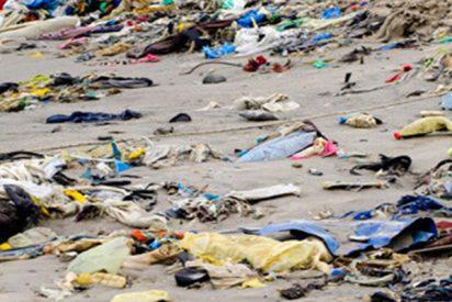 Las impactantes imágenes que muestran cómo llegan kilos de plástico a una playa de Tenerife